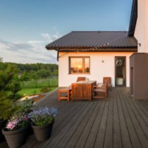 Staging a Deck