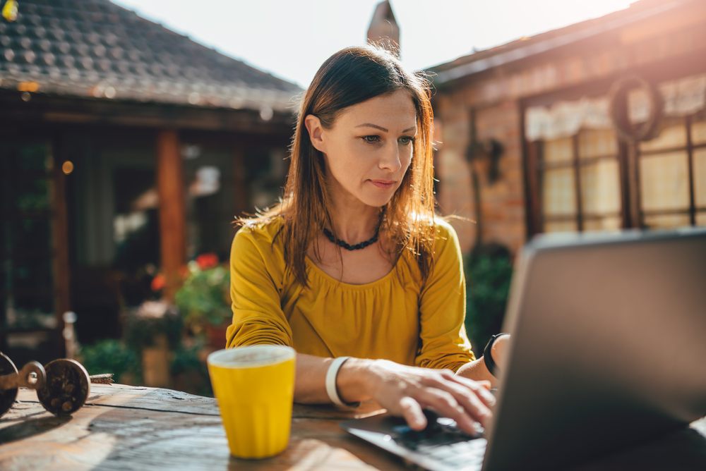 How to Take Your Home Office Outside